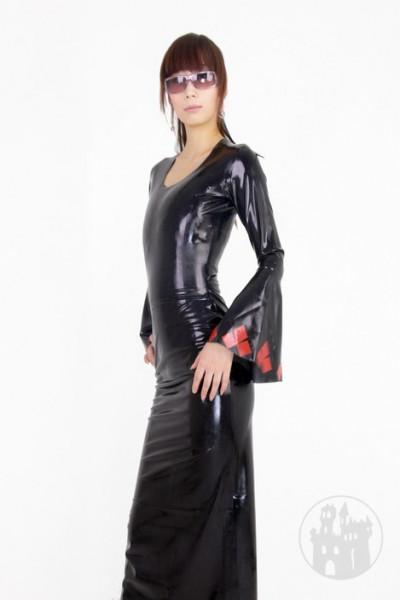 langes latex kleid mit trompetenärmel | latexkleider