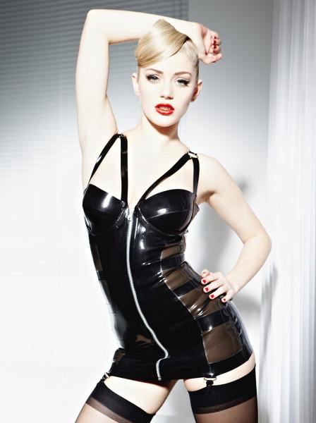 Latex Kleid mit Strapshalter 2