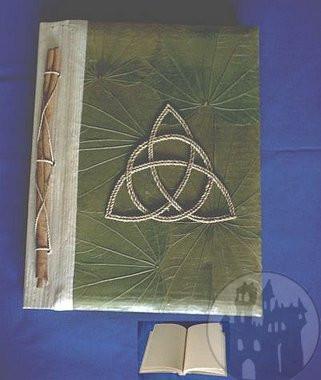 Buch der Schatten Triquetta grün