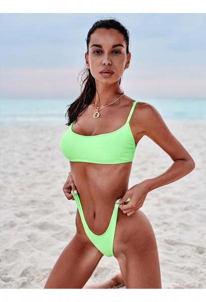 Grüner String-Bikini