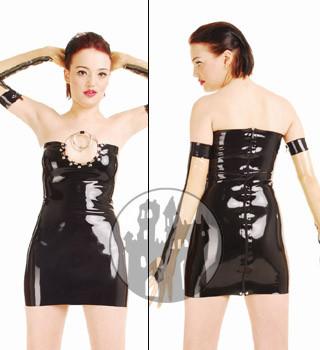 Latex Kleid mit Metallringen