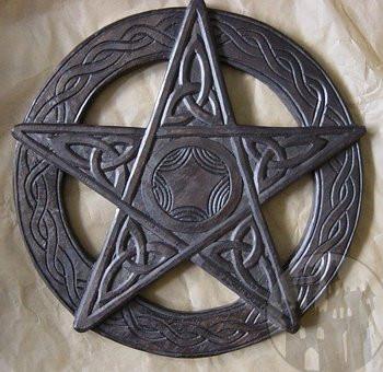 Gothic und Rockabella Hut mit Schleier und Rose