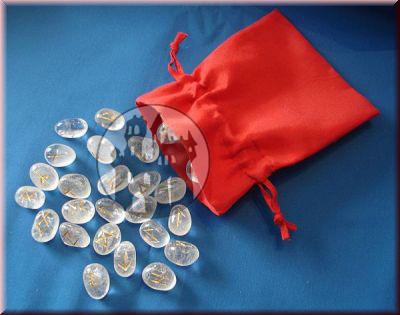 Runenset aus Bergkristall